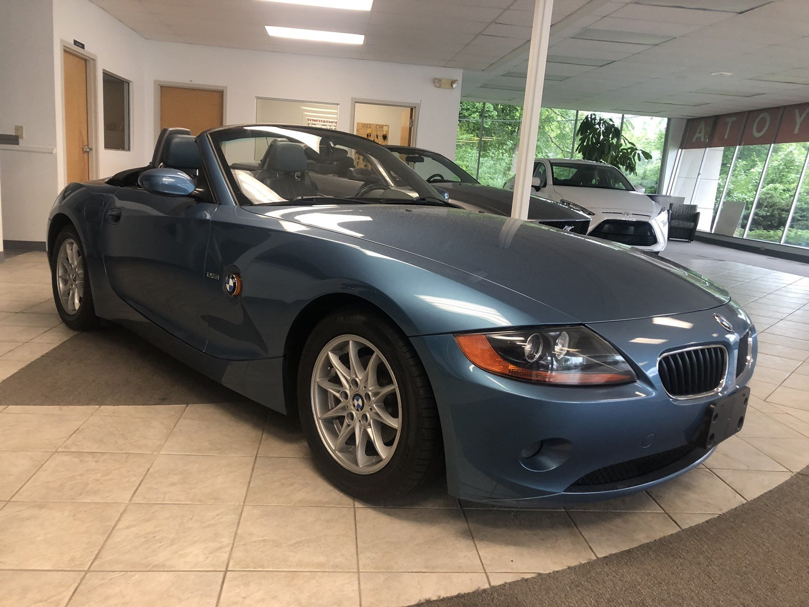 Pre Owned 2003 Bmw Z4 25i 2d Convertible In Torrington 3334u Thunderbird Fuel Filter