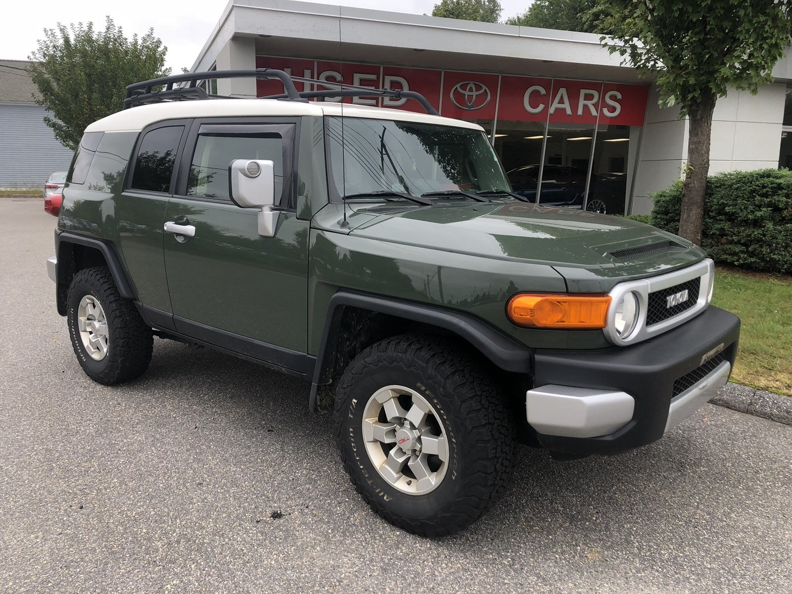 ... 4WD. Pre-Owned 2014 Toyota FJ Cruiser Base