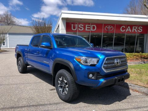 Pre-Owned 2016 TOYOTA TACOMA DBL CAB